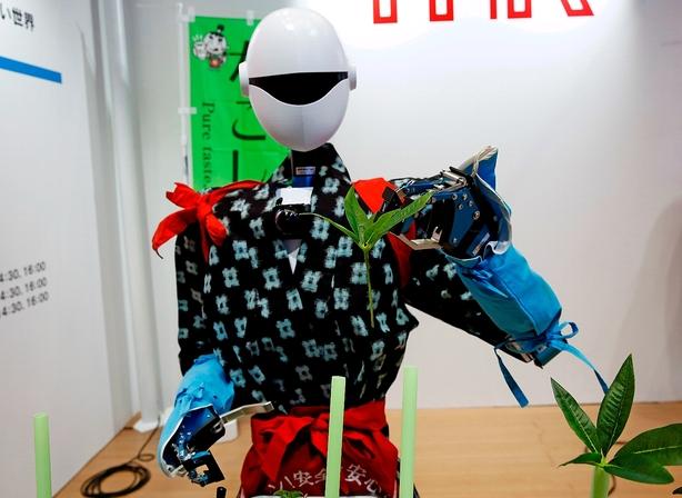Debat: Sådan får flere gavn af robotteknologi