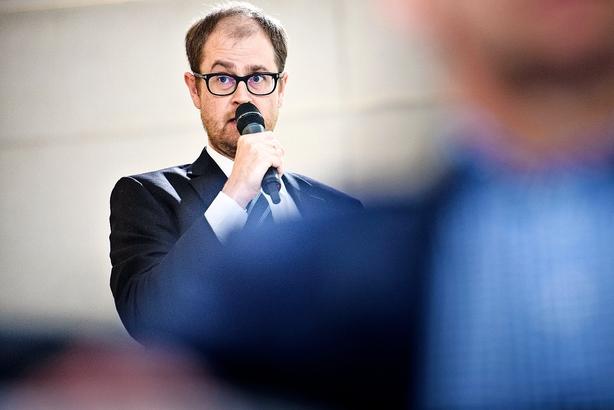 Debat: Skru op for nuancerne, Whitta-Jacobsen