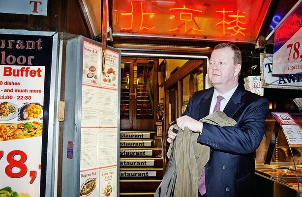 Investor storsatser på Kina efter kinesisk aktienedtur
